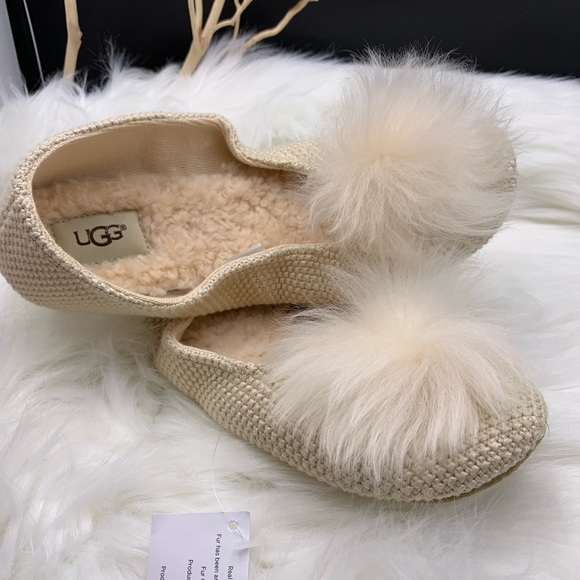 b6d5eb49dea UGG Women's Andi Slipper, w/ fur pom pom on vamp NWT